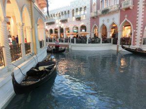 Gondeln im Venetia